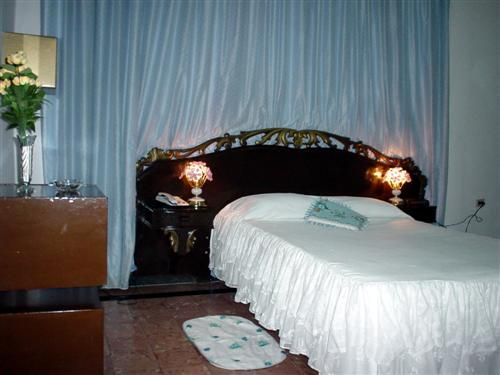 'Hotel - Puerto Principe - habitacion' Check our website Cuba Travel Hotels .com often for updates.