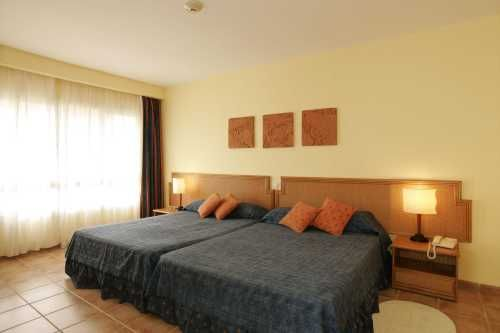 'Hotel - NH Krystal Laguna - habitacion' Check our website Cuba Travel Hotels .com often for updates.