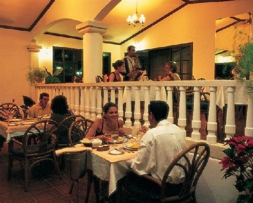 'Brisas - Guardalavaca - restaurante' Check our website Cuba Travel Hotels .com often for updates.