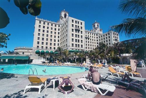 'Hotel Nacional de Cuba - piscina' Check our website Cuba Travel Hotels .com often for updates.