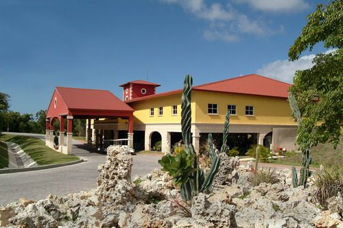 'Hotel Occidental Grand Turquesa - entrada' Check our website Cuba Travel Hotels .com often for updates.