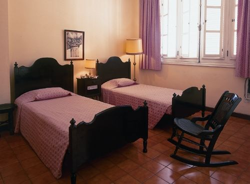 'Hotel Plaza - habitacion' Check our website Cuba Travel Hotels .com often for updates.