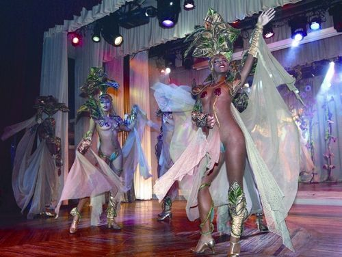 'Hotel Riviera - Show del Copa Room' Check our website Cuba Travel Hotels .com often for updates.