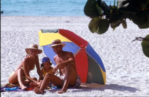 'hotel - dos mares - enjoy the beach with your family!' Check our website Cuba Travel Hotels .com often for updates.