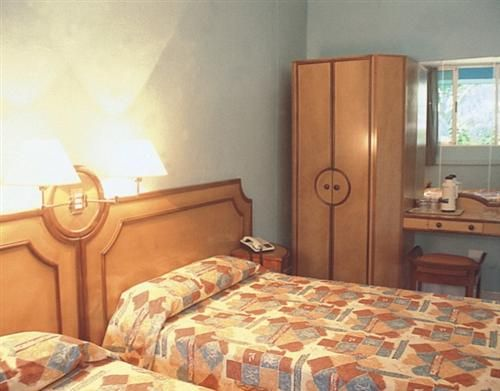 'hotel - las americas - habitacion 2' Check our website Cuba Travel Hotels .com often for updates.
