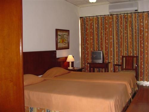 'Hotel - Moron - habitacion' Check our website Cuba Travel Hotels .com often for updates.