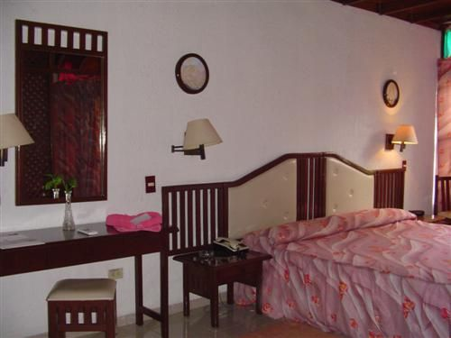 'Hotel - Moron - habitacion 2' Check our website Cuba Travel Hotels .com often for updates.