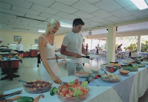 'Hotel - Oasis - buffet' Check our website Cuba Travel Hotels .com often for updates.