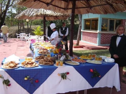 'Villa - Rancho Hatuey - buffet terraza' Check our website Cuba Travel Hotels .com often for updates.