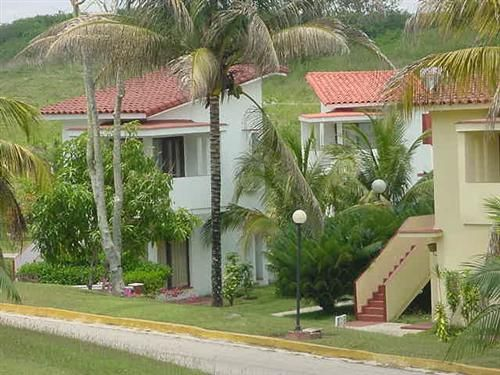 'Villa - Rancho Hatuey - fachada' Check our website Cuba Travel Hotels .com often for updates.