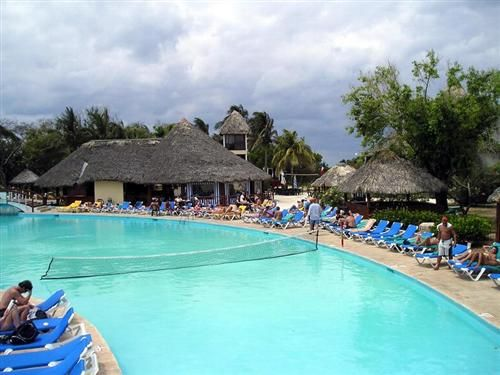 'Hotel - Tuxpan - pool' Check our website Cuba Travel Hotels .com often for updates.