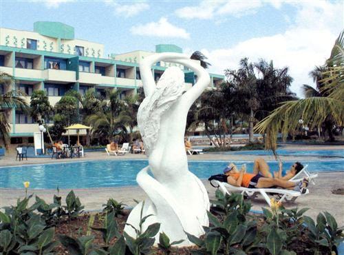 'Villa - La Mar - piscina' Check our website Cuba Travel Hotels .com often for updates.