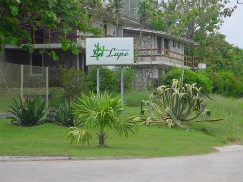 'Villa - La Lupe - entrada' Check our website Cuba Travel Hotels .com often for updates.